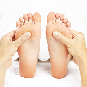 reflexology massage therapy beauty salon complimentary alternative therapy beauty treatment chertsey kallea surrey